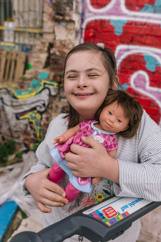 Puppe mit Down-Syndrom von Tolimoli